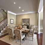New Luxury homes with crown molding